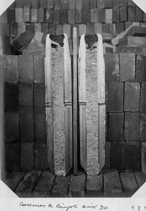 Cassures de lingots en acier aux aciéries du Creusot en 1917